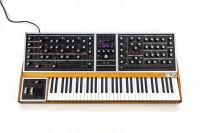 Moog One 8v